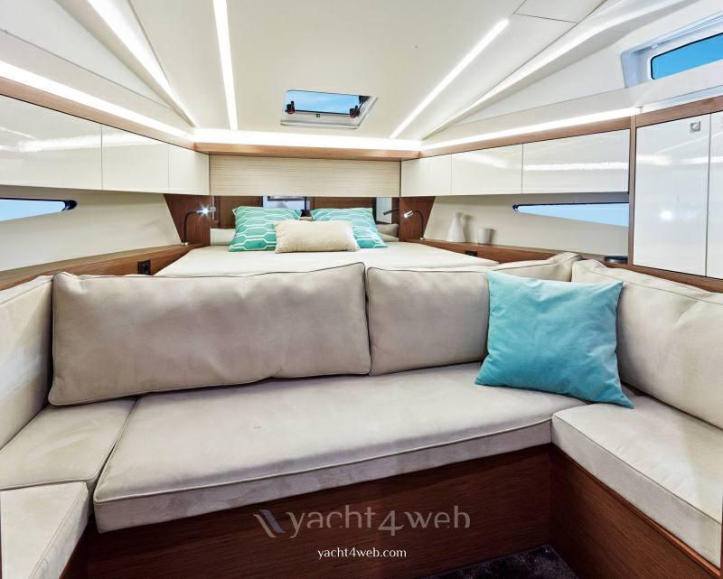 Jeanneau Leader 33 h.b. Motor boat new for sale