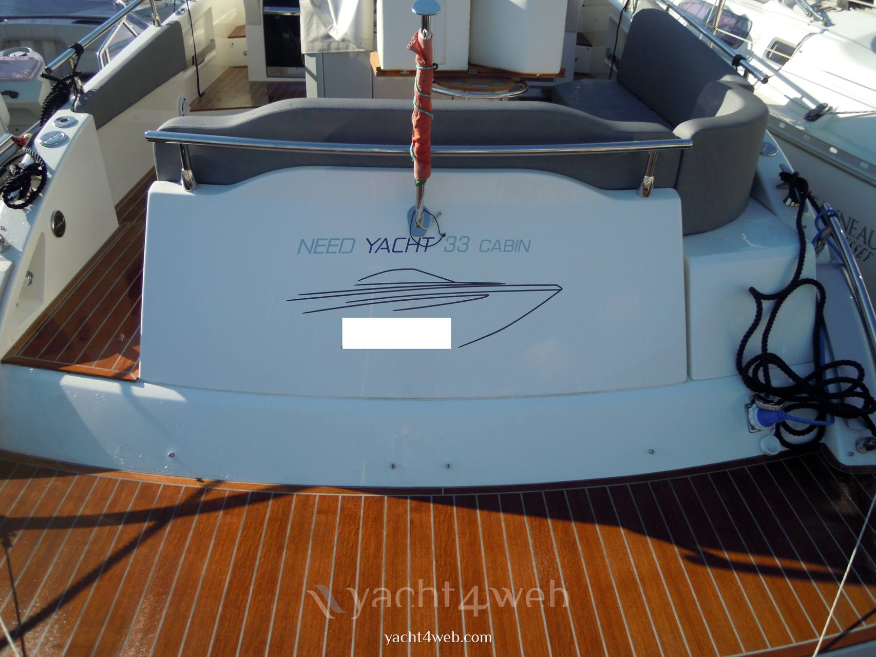 NEED YACHT 33 cabin Express cruiser
