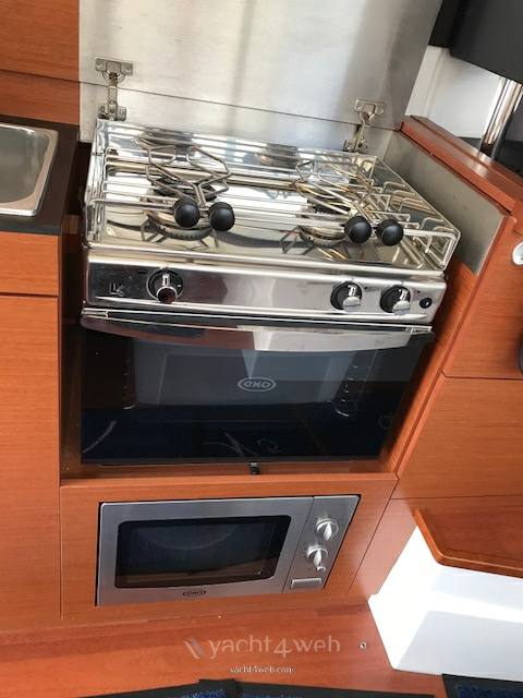 Jeanneau Nc9 Motor boat used for sale