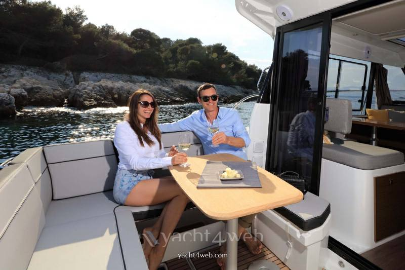 JEANNEAU Merry fisher 1095 new Pilothouse new