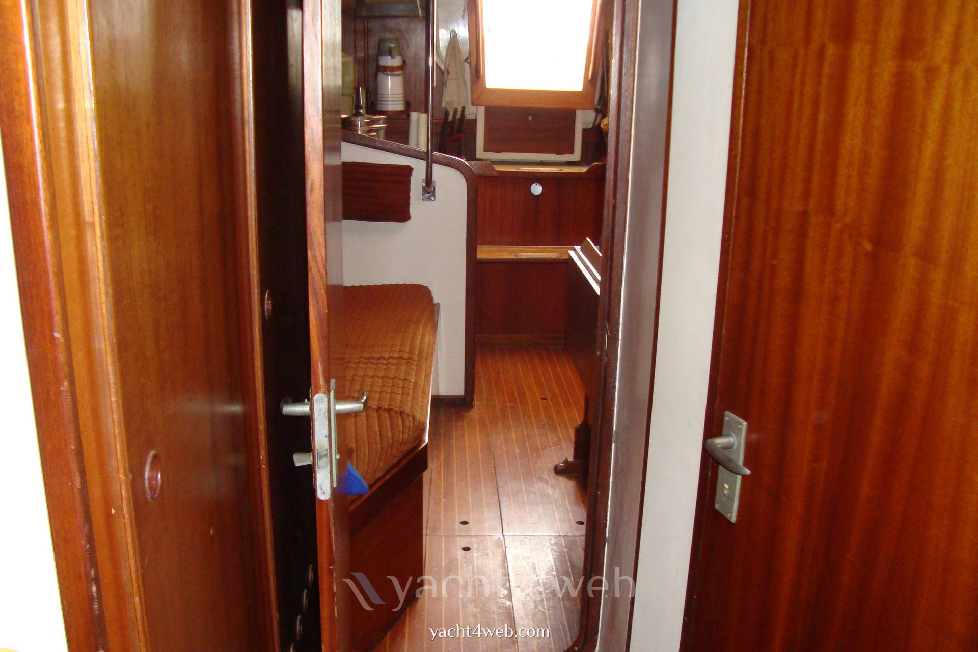Olympic-yachts Carter 39 flush deck used