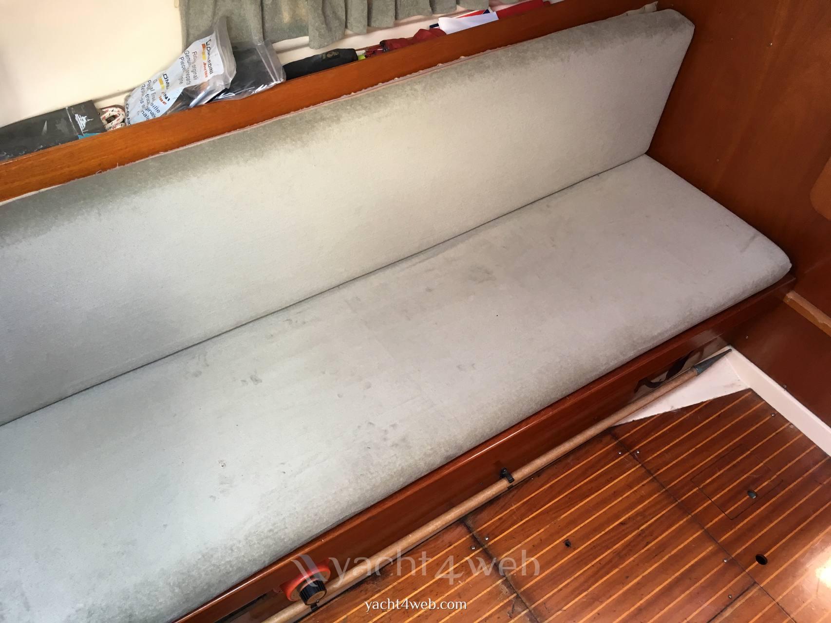 DUFOUR 27 barco de vela