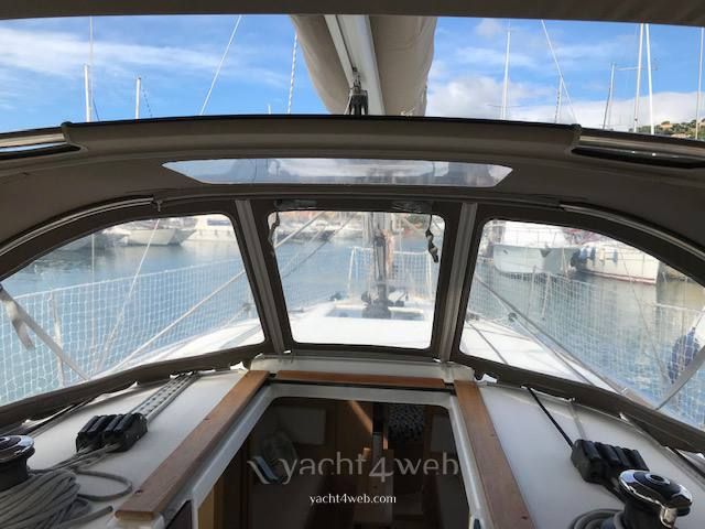 Jeanneau Sun odyssey 349 Sail cruiser