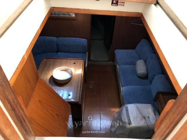 ALPA 42 Парусная лодка используется для продажи