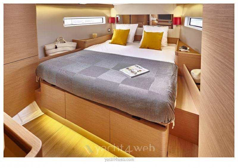 JEANNEAU Sun odyssey 440 new Sail cruiser