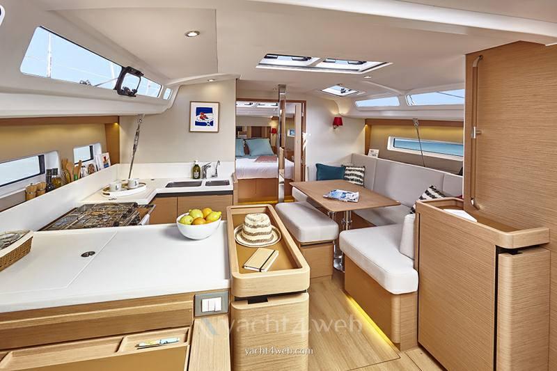 JEANNEAU Sun odyssey 440 new sailing boat